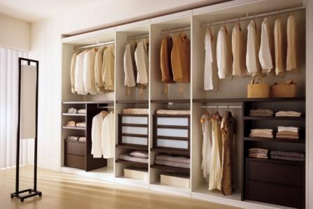 Cara Merapikan dan Merawat Pakaian di Lemari