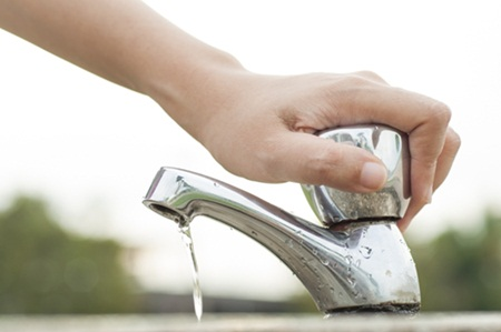 Cara Hemat Air Saat Mencuci