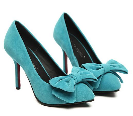 Cara Mencuci Sepatu Beludru