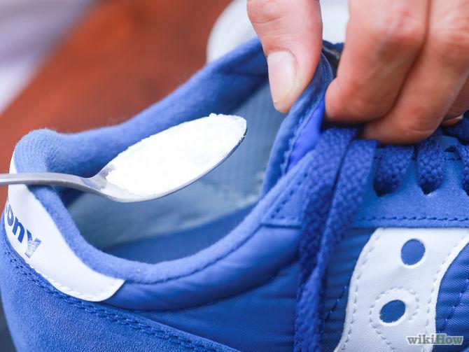 Cara Menghilangkan Bau Busuk Sepatu Dengan Baking Soda