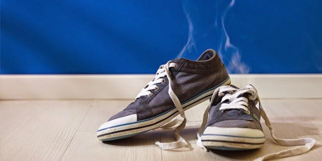 Cara Menghilangkan Bau Sepatu Dengan Kopi