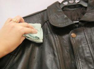 cara-merawat-jaket-kulit - pewangi freshlab